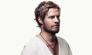 Arno Carstens Announces Two More Singles For 2019