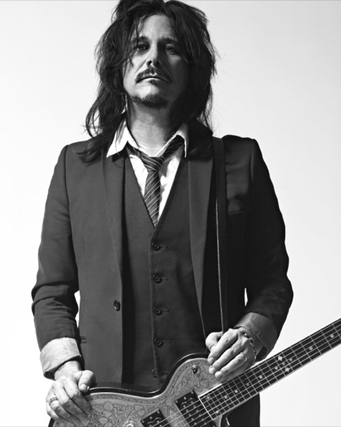 GILBY CLARKE Signs Global Deal with Golden Robot Records